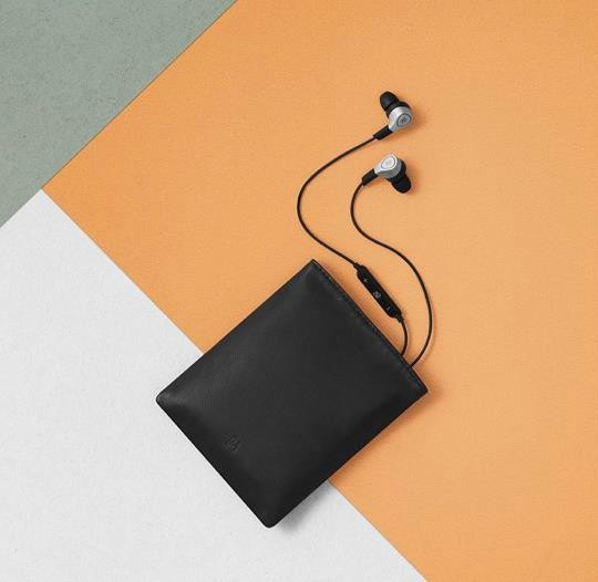 Schutzbeutel / Tasche aus Leder für BeoPlay H3/H5/E4/E8 Kopfhörer